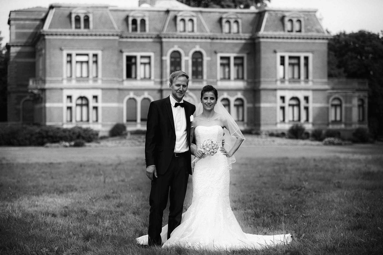 Hochzeit vor Schloss